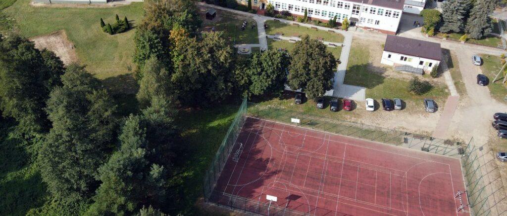 szkola w Rogolinie 1024x768 1